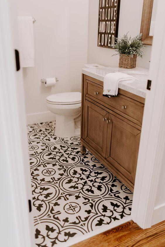 Suelos de baño con vinilo mosaico, una solución idea para la remodelación de tu baño