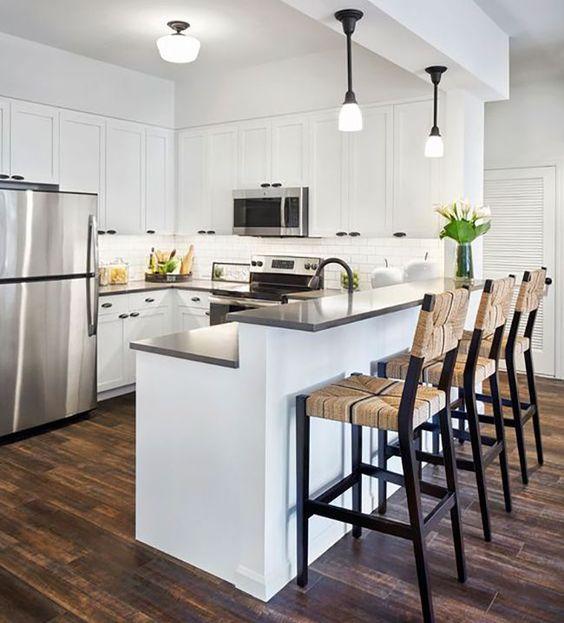 Las islas de cocina también pueden ser un separador de ambientes muy práctico