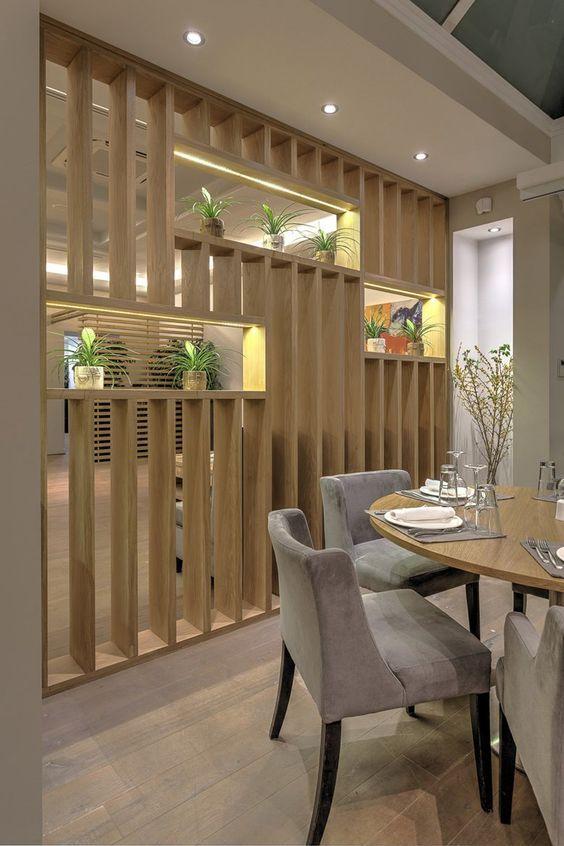 Separador de ambiente hechos con paneles de madera