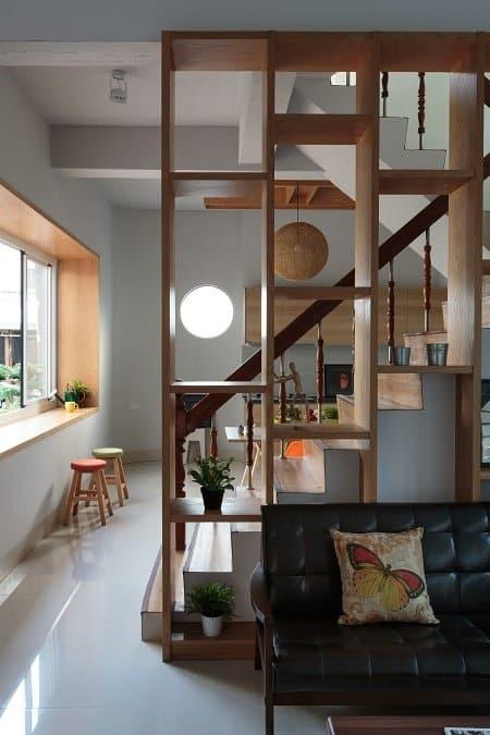 Separador de ambiente con muebles
