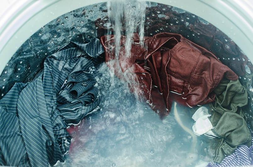 Si la lavadora no calienta bien el agua puede hacer que tu ropa no salga limpia