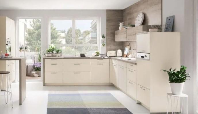 Elige una cocina con muebles en L con cajoneras si tienes poco espacio