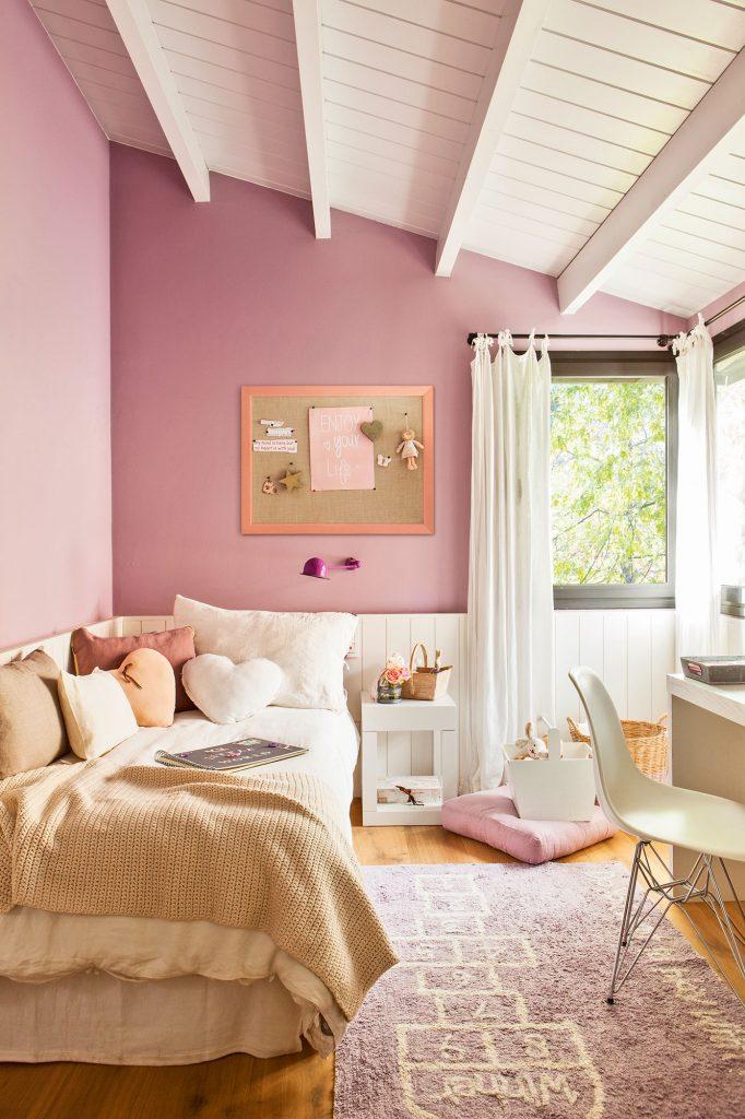 Sensación de altura con pintura blanca en el techo