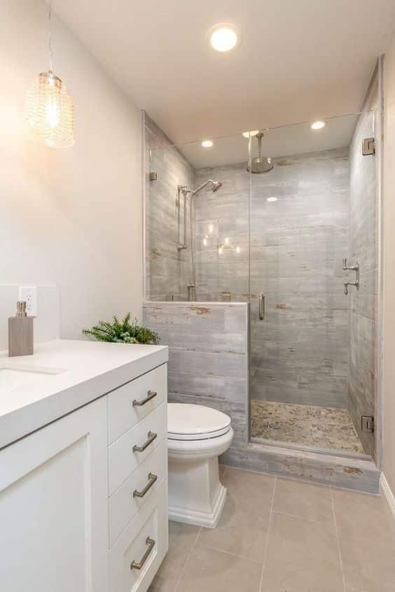 Mucho más sencillo limpiar una ducha que una bañera