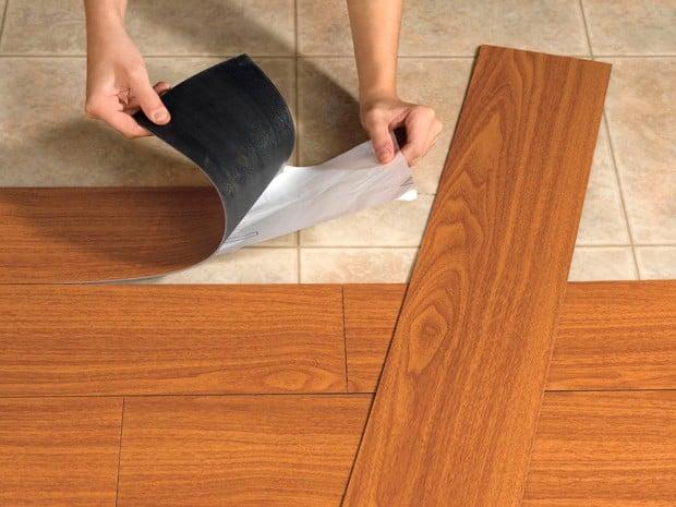 El coste de un cambio de piso por materiales sintéticos suele ser menor